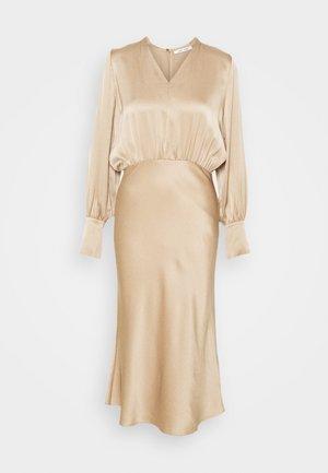 KAMO DRESS - Vestido de cóctel - mild beige