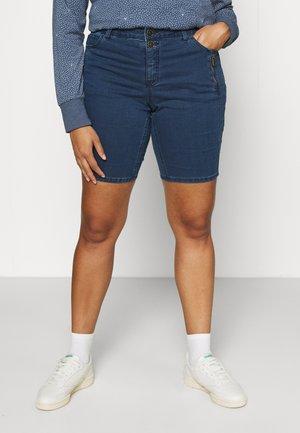 JABBEY - Shorts di jeans - medium blue denim