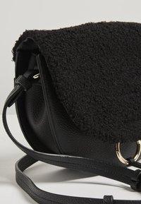 Oliver Bonas - Across body bag - black - 3
