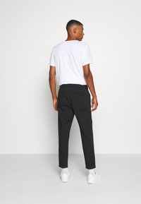 Hollister Co. - TAPER CROP - Chinos - black - 2