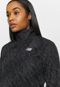 New Balance - ACCELERATE PROTECT JACKET REFLECTIVE - Sports jacket - black/silver - 3