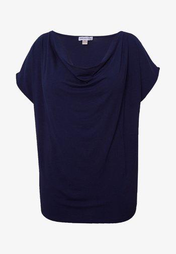 T-shirts med print - evening blue