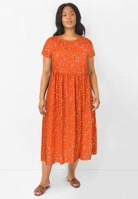 Live Unlimited London - Day dress - orange - 0