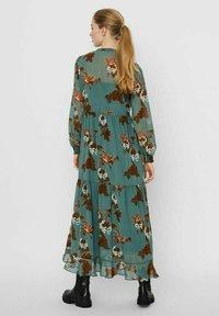 Vero Moda - Maxi dress - laurel wreath - 1