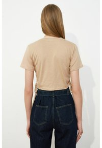 Trendyol - Print T-shirt - brown - 1