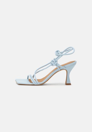 Sandals - seta celeste