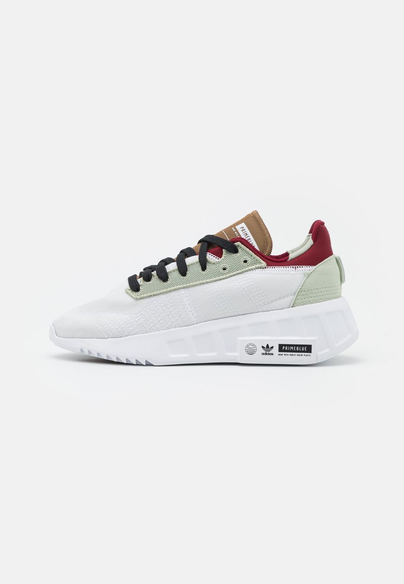 adidas Originals - GEODIVER - Sneakers basse - footwear white/halo green/core black
