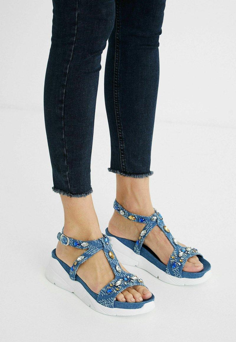 Desigual - Sandales compensées - blue