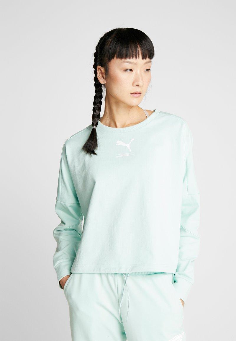 Puma - TILITY CREW - Sweatshirt - mist green