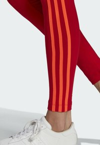 adidas Originals - HW TIGHTS - Legging - scarlet/semi solar red - 4