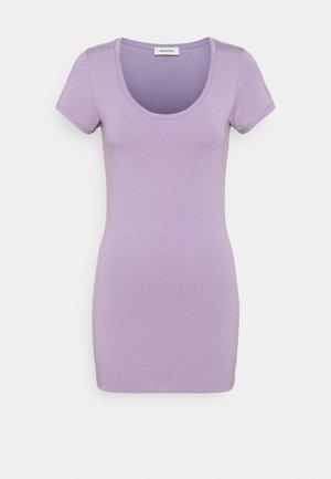 TRICK - Basic T-shirt - lavender