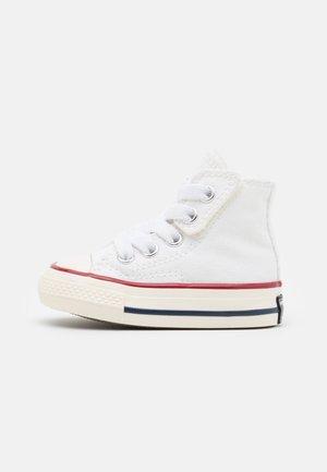 CHUCK 70 VINTAGE UNISEX - Sneakers hoog - white/black/egret