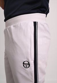sergio tacchini - YOUNG LINE - Tracksuit bottoms - wht/nav - 3