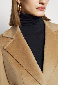 MAX&Co. - SHORTRUN - Klasický kabát - camel - 4