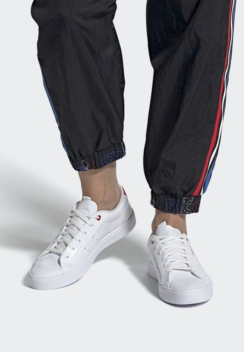 SLEEK - Sneakers basse - footwear white/scarlet/core black