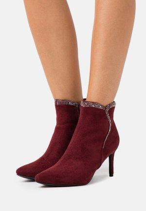 Kotníková obuv - ruby