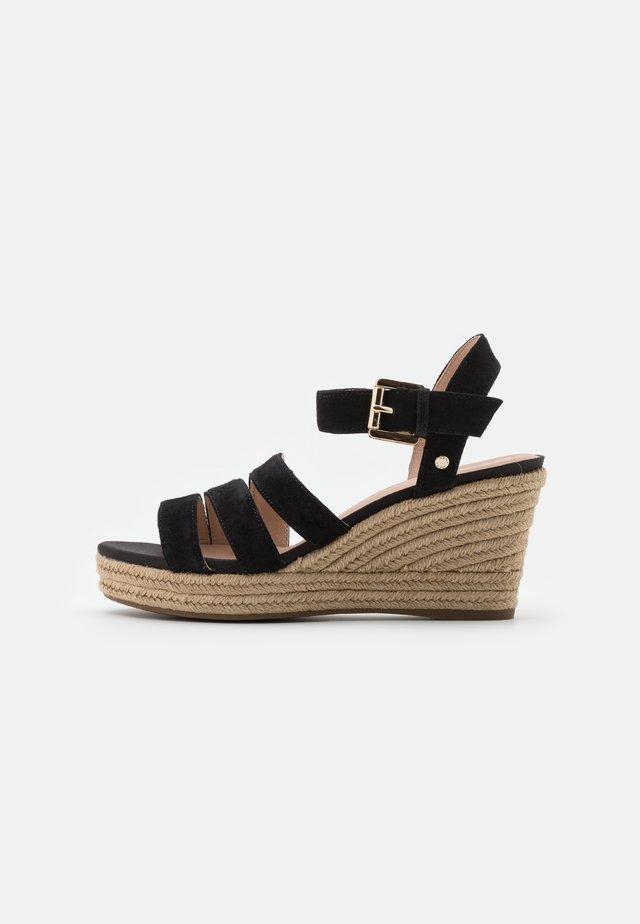 SOLEIL - Sandały na platformie - black