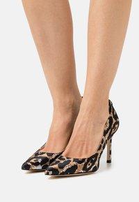 Guess - DAFNE - Classic heels - black - 0