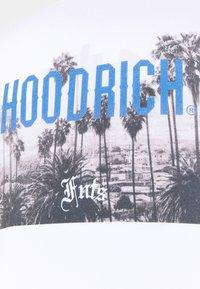 Hoodrich - DREAMING CREW NECK - Sweatshirt - white - 2