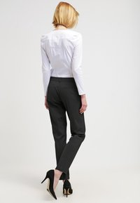 More & More - HEDY - Trousers - schwarz - 2