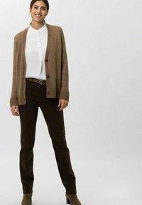 BRAX - STYLE MARY - Trousers - dark chocolate - 1