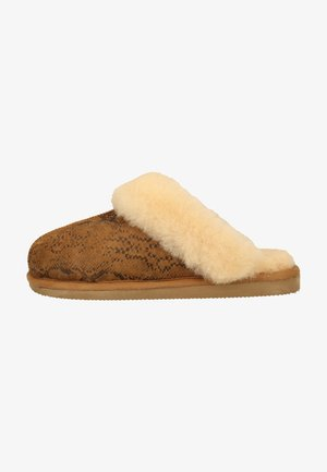 Slippers - viper chestnut