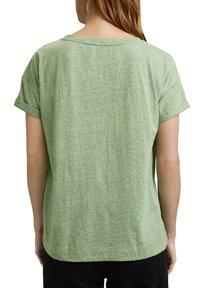 Esprit - PER COO CLOUDY - Basic T-shirt - leaf green - 8