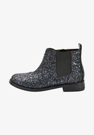 TAN CHELSEA BOOTS (OLDER) - Korte laarzen - metallic grey