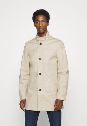 STAND UP COLLAR COAT - Krótki płaszcz - beige