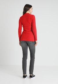 MAMALICIOUS - MLJULIA WASHED - Slim fit jeans - medium grey denim - 2