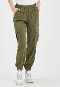 b.young - BXJUNOL PANTS W. POCKETS WOVEN - Pantalon classique -  green - 0
