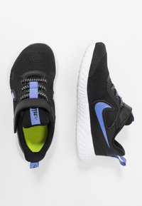 Nike Performance - REVOLUTION 5 GLITTER - Obuwie do biegania treningowe - black/sapphire/lemon/white - 0
