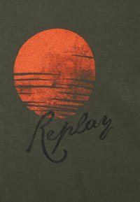 Replay - T-shirt con stampa - khaki - 2