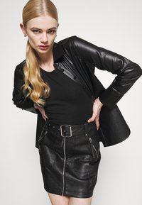 Fashion Union - CEDAR - Blůza - black - 3
