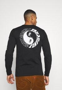 Santa Cruz - SCREAM YING YANG UNISEX - Camiseta de manga larga - black - 0