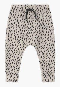 Papu - BAGGY UNISEX - Kalhoty - canvas grey/black - 1