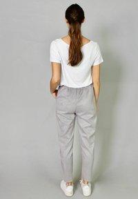 Riquai Clothing - Tracksuit bottoms - grau - 2