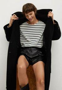 Mango - Shorts - zwart - 3