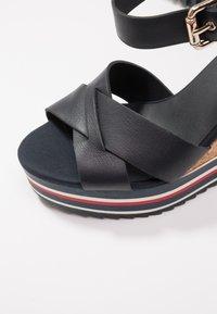 Tommy Hilfiger - COLORED STRIPES WEDGE - Korolliset sandaalit - blue - 2