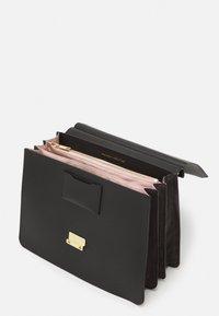 Maison Hēroïne - MARLENE - Handbag - black - 2