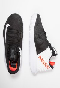 Nike Performance - AIR ZOOM HC - Multicourt tennis shoes - black/white/bright crimson - 1