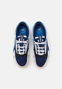 Nike Sportswear - AIR MAX BOLT UNISEX - Trainers - blue void/signal blue/white/black - 3