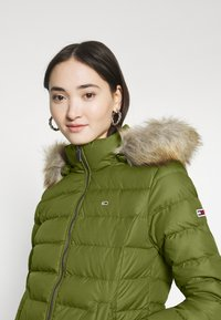 Tommy Jeans - BASIC - Dunjakke - olive tree - 6