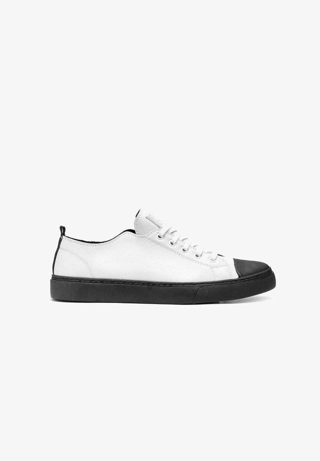 SAVO - Sneakers laag - white