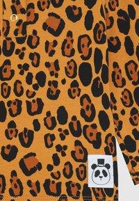 Mini Rodini - BABY BASIC LEOPARD GRANDPA UNISEX - Langarmshirt - beige - 2