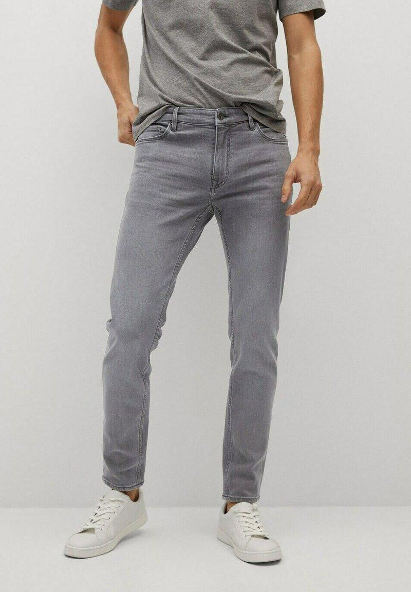 Mango - JUDE - Jeans Skinny Fit - gris denim