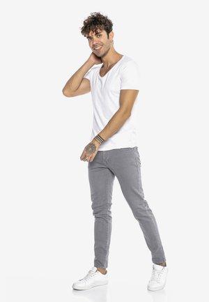 SAITAMA - Slim fit jeans - grau