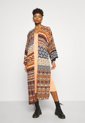 LANDMARK CARDI - Cardigan - light brown