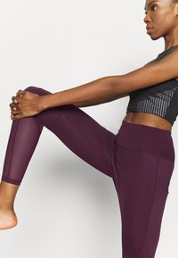South Beach - PANELLED INSERT LEGGING - Trikoot - fig - 4