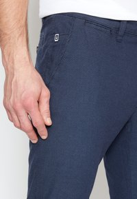 TOM TAILOR - STRUCTURE - Chinos - blue two tone - 7